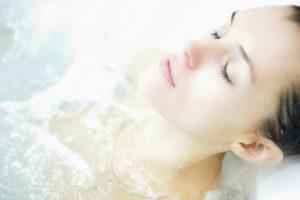 thalassoterapia bagno in acqua di mare fredda e calda