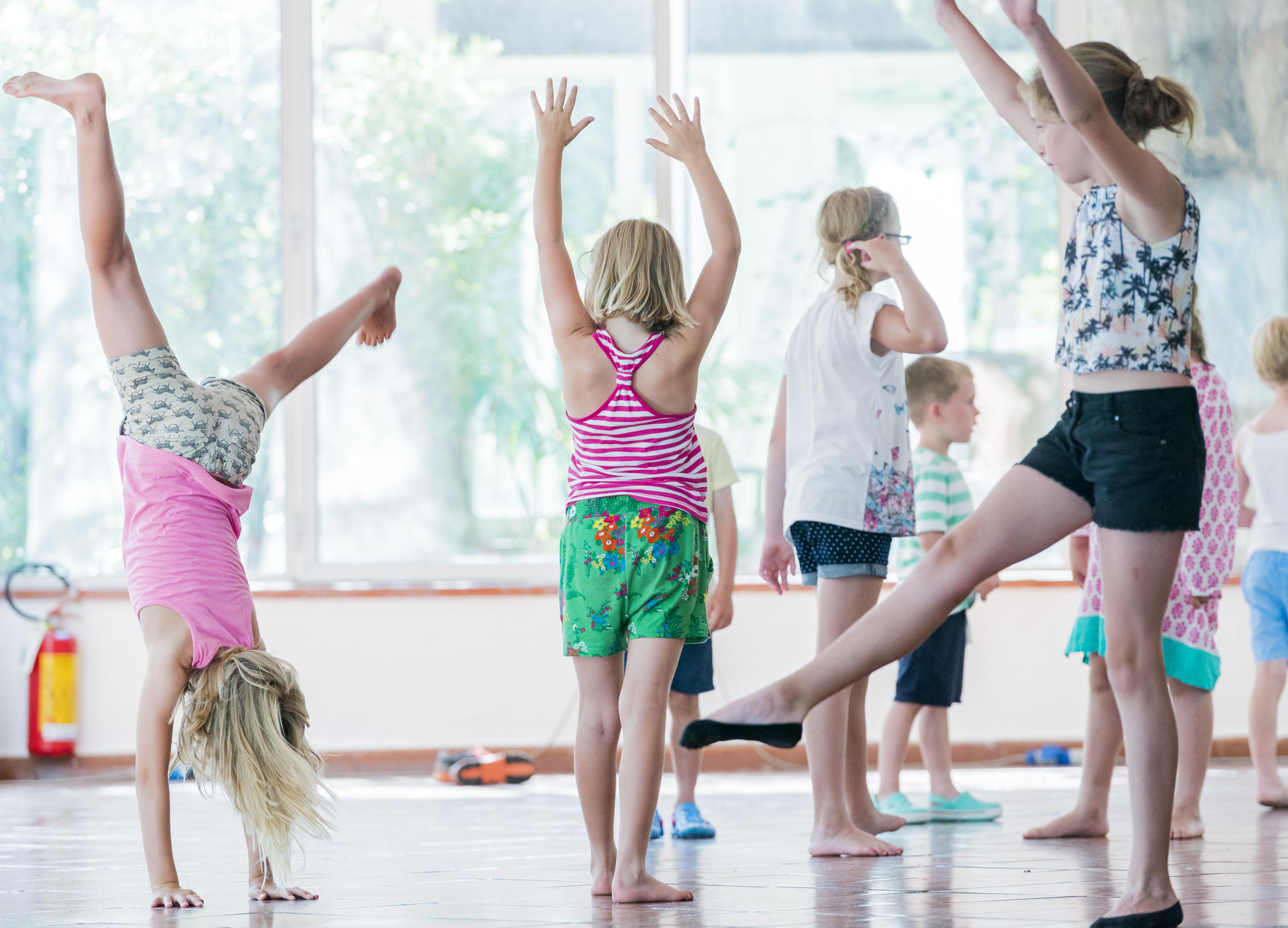 scuola di ballo forte village resort