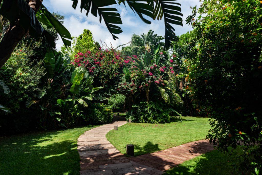 giardino tropicale forte village magazine sardegna